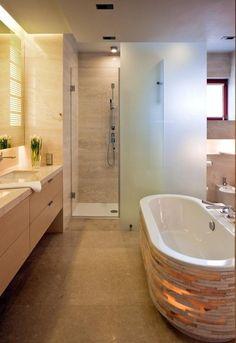 glasdusche gemauert badewanne holz waschtisch unterschrank