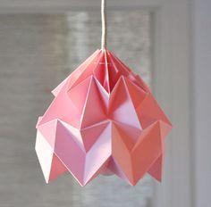 De origamilampen van Studio Snowpuppe in de winkel van woonblog / www.woonblog.be