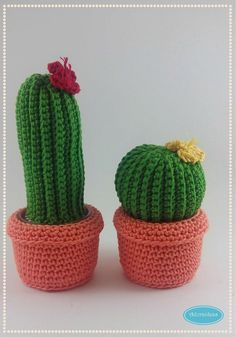 Hoy os traigo un super patrón de ganchillo. A partir de hoy estará disponible en la tienda online el patrón con las instrucciones para hacer estos cactus adorables, que son suavitos suavitos y sin ...