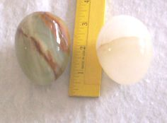 2-MARBLE-EGGS-decorative-granite-stone-alabaster-EASTER-GIFT-ivory-green-tan