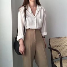 Learn About These Awesome korean fashion ideas 0430 Fall Fashion Outfits, Mode Outfits, Look Fashion, Girl Outfits, Workwear Fashion, Fashion Blogs, Abaya Fashion, Fall Fashion Trends, Fall Trends