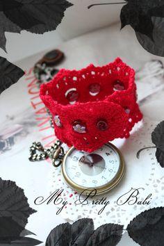 Crochet Bracelet by myprettybabi @Etsy, $33.40