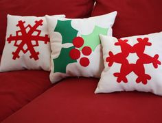Diary of a Quilter - a quilt blog: Snowflake Pillow Tutorial, looks easy.