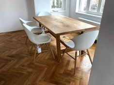 Desku tohoto masivního jídelního stolu jsme vyráběli ze 3 kusů dubových fošen 🙂 Vypadá opravdu skvostně .  😊👌😍 Dining Table, Furniture, Design, Home Decor, Dinning Table, Interior Design, Dining Rooms, Design Comics, Home Interior Design