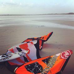 Notre ami Alex est allé s'éclater au Dossen cet Aprem... #rrd #wave #religion #surf #dossen #storm #6m #britanny #kitesurf