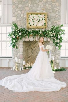 Wedding Dress Photo Checklist: Every Snapshot You Need of Your Gorgeous Gown | Brides