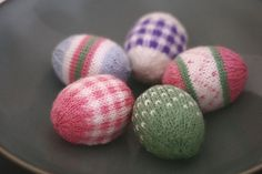 I could do these - and the pastel colors would be easy to find in the teeny yarn.