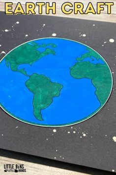 Looking for ideas for Earth Day? Try this simple Earth art project for kids. Printable earth template and a fun splatter painting technique. This is a simple and easy art project that you can do with your students in elementary school to celebrate Earth Day. Space Activities For Kids, Space Crafts For Kids, Earth Day Activities, Creative Arts And Crafts, Nature Activities, Creative Kids, Easy Art Projects, Arts And Crafts Projects, Projects For Kids