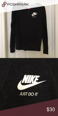 Nike long sleeve logo tee Excellent condition worn once Nike Tops Tees - Long Sleeve