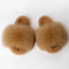 *Material: PVC sole, high quality sole, confortable. *Notice: When you order, take you true size. PVC sole two size smaller than your usual wear slides. It means if you order size US 7(EU 38), I will send US 9( EU 40) to you. Again, take you true size. Fluffy Slides, Fur Slides, Fox Fur, Types Of Shoes, 9 And 10, Slippers, Warm, Winter, Handmade Gifts
