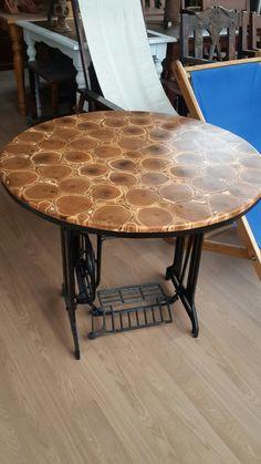 Dikiş makina ayağı ve Çalı ağaç masa