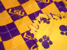 This is great for all my family that are LSU fans!! Perfect Christmas gift!  LSU Fleece Throw Geaux Tigers Blanket Unisex Fleece by tobeesgifts