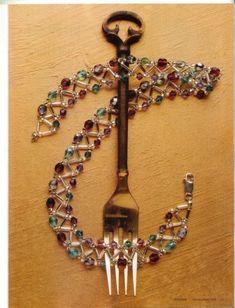 tutorial Wire Jewelry, Jewelry Crafts, Beaded Jewelry, Jewelery, Handmade Jewelry, Beaded Bracelets, Beading Patterns Free, Beading Tutorials, Jewelry Patterns