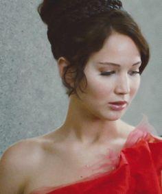 "Katniss Everdeen - close up of ""Girl on Fire"" dress & hairstyle"