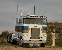 Cabover Trucks And Girls, Big Trucks, Kempo Karate, Peterbilt Trucks, Big Boys, Rigs, Old School, North America, Beautiful Women