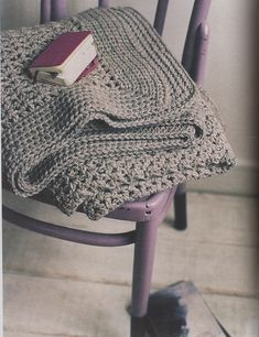 """texture throw pattern in book """"simple crocheting"""" by erika knight Crochet Home, Diy Crochet, Crochet Baby, Crochet Ideas, Crochet Patterns For Beginners, Afghan Crochet Patterns, Knitted Afghans, Crochet Blankets, Simply Crochet"""