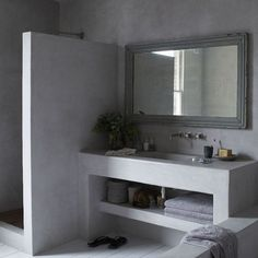 Concrete creates a seamless finish in this bathroom - from the shower and sink .Concrete creates a seamless finish in this bathroom - from the shower and sink unit to the floor. A built-in shelf Ideal Home, Modern Room, Simple Bathroom Designs, Sink Units, Bathroom Decor Apartment, Concrete Bathroom, Rustic Master Bathroom, Bathroom Design, Bathroom Decor