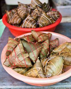 Life on Nanchang Lu: Shanghai Street Food #29 Zongzi 粽子 Sticky Rice Wrapped in Bamboo Leaf