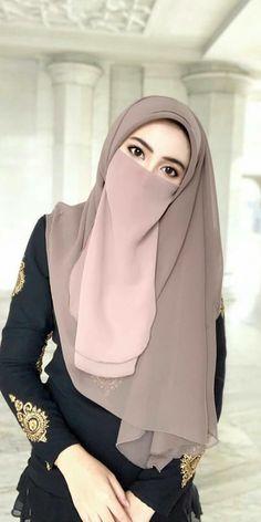 Islam Beautiful hijab and niqabYou can find Niqab and more on our website.Islam Beautiful hijab and niqab Hijab Gown, Hijab Niqab, Hijab Chic, Mode Hijab, Arab Girls Hijab, Girl Hijab, Muslim Girls, Hijabi Girl, Muslim Couples