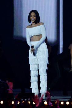 Rihanna performs at the BRIT Awards 2016