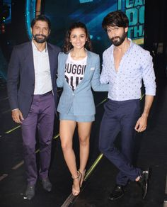 Alia Bhatt and Shahid Kapoor visited the sets of Farhan Akhtar s new reality TV show to promote their upcoming film Shaandaar Famous Celebrities, Celebs, Mira Rajput, Alia Bhatt Cute, Student Of The Year, Shahid Kapoor, Bollywood Girls, Bollywood Fashion, Height And Weight
