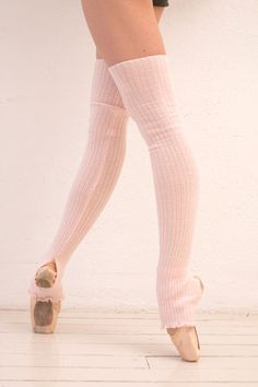 Leg warmer look for your dance photo shoots. Inspirations for Monica Hahn Photography