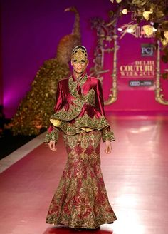 Ritu Beri Indian Fashion Designer | Ritu Beri showcased her grand collection at Delhi Couture week 2013 ...