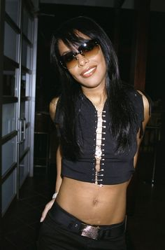 """This is a tribute page to singers: Selena Quintanilla Aaliyah & rapper: Lisa """"Left-Eye"""" Lopes Rip Aaliyah, Aaliyah Style, Aaliyah Outfits, Aaliyah Songs, Aaliyah Haughton, 2000s Fashion, Her Music, American Singers, Rihanna"""