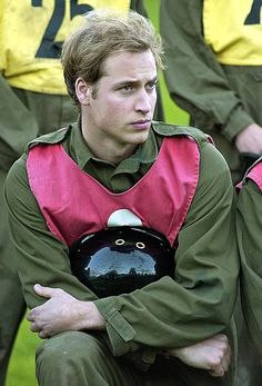 Prince William attended the Army's Regular Commissions Board selection process in October 2005 in Wiltshire, England. Prince William And Harry, Prince Charles, Prince Andrew, London In August, Rodeo Chic, Prinz William, Joining The Army, Polo Match, Young Prince