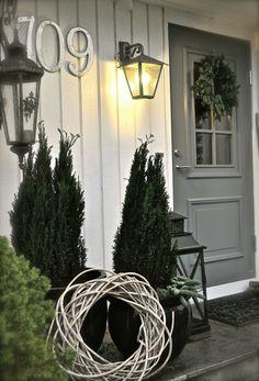 Villa Paprika - Shabby Home, Shabby Chic, Rivera Maison, Casa Top, Christmas Entryway, Beautiful Front Doors, English Decor, Front Entrances, Front Door Decor