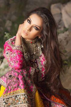 Beautiful hair, clothes and make up!!