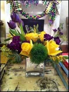 nice 50+ Creative and Beautiful Box Flower Arrangement Home Decor Ideas https://wartaku.net/2017/05/09/creative-beautiful-box-flower-arrangement-home-decor-ideas/