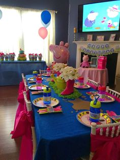 Peppa Pig Birthday Party Ideas is part of Peppa Pig Party Ideas Party City - Peppa Pig Photo Gallery at Catch My Party Pig Birthday Cakes, 3rd Birthday Parties, Birthday Party Decorations, 2nd Birthday, Bolo Da Peppa Pig, Cumple Peppa Pig, Peppa Pig Cakes, Peppa Pig Party Ideas, Ideas Party