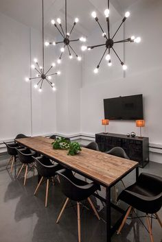 Bluecore Offices von Justin Huxol von HUXHUX Design for Homepo . Bluecore Offices von Justin Huxol von HUXHUX Design for Homepo … Modern Office Decor, Industrial Office Design, Office Interior Design, Home Office Decor, Office Interiors, Office Furniture, Office Designs, Industrial Style, Home Decor
