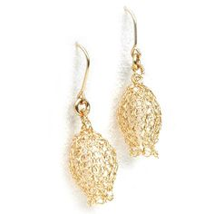 My dangle knitted gold earrings in the shape of a mini pomegranate , the earrings are handmade using gold filled wire, they are eye catching and symbolizes
