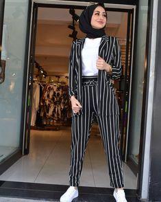 Stylish Hijab, Modest Fashion Hijab, Modern Hijab Fashion, Street Hijab Fashion, Modesty Fashion, Hijab Fashion Inspiration, Muslim Fashion, Girls Fashion Clothes, Teen Fashion Outfits