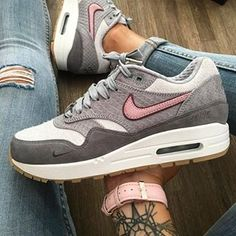 Nike Air Max 1 Bespoke iD Paris  by @celouuuuuuuu  Follow us and use the #sneakersmadame for a repost ✌