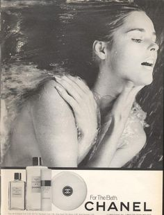 Ali MacGraw for Chanel Photo: Jerome Ducrot Chanel No 5, Chanel Beauty, Chanel Commercial, Swimming Photos, Ali Macgraw, Chanel Perfume, Shades Of Beige, Print Ads, Her Style