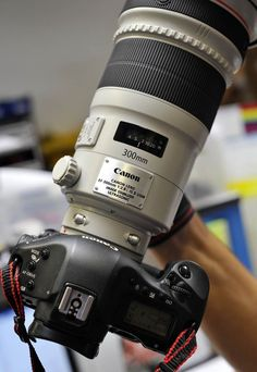 new Canon 300mm f/2.8L IS II