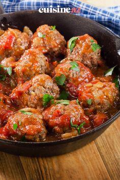 Une recette de boulettes de boeuf à la tomate facile à cuisiner avec les enfants pour la fête des mères. #recette#cuisine#boulettes #boeuf #fetedesmere#enfant Tomatoes, Sweet Treats, Cooking Food