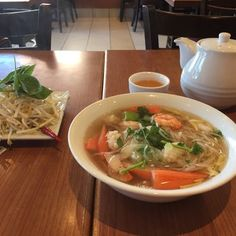 Pho Vaughan - Vaughan, ON, Canada Pho, Thai Red Curry, Canada, Ethnic Recipes, Places, Lugares