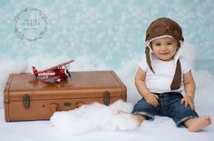 One year old session. Vintage planes and aviation theme. Cake smash theme for boys. Julie O'Neill Photography