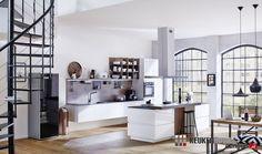 Moderne keuken met zwevende kasten.