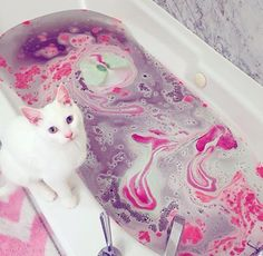 Love the bath looks so amazing and beautiful my favourite love it.