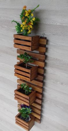 Very Beautiful Diy Wooden Pallets Shelf Fresh Idea. Very Beautiful Diy Wooden Pallets Shelf Fresh Idea. Wooden Pallet Shelves, Wooden Pallets, Wooden Diy, Wooden Wall Decor, Wooden Crafts, Jardim Vertical Diy, Vertical Garden Diy, Vertical Gardens, House Plants Decor
