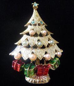 Vintage Christmas Tree Pin Pearls Rhinestones Enamel