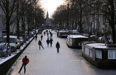 Amsterdam Canals Freeze Solid, Turning City Into Impromptu Ice Rink (PICTURES, VIDEO)