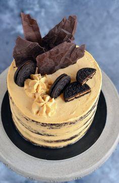 Mogyoróvajas csokitorta – Jelige: pucéran is elegánsan! Hungarian Cake, Mousse Cake, Cake Designs, Truffles, Fudge, Cheesecake, Food And Drink, Sweet, Oreos
