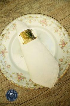 Porta Guardanapo de metal, personalizado com as iniciais dos noivos.   Contato - oficinadoio@gmail.com | www.oficinadoio.com.br