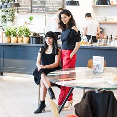 HEMSLEY + HEMSLEY is Jasmine and Melissa Hemsley. They use whole, organic, nutrient-filled ingredients to create delicious recipes free of grain, gluten and Melissa Hemsley, Hemsley And Hemsley, Cambridge Weight Plan, Free Food, Autumn Fashion, Product Launch, Yummy Food, Healthy Recipes, Lifestyle